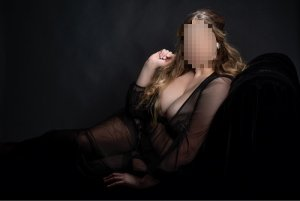 Toussine blonde escorts in Wombwell
