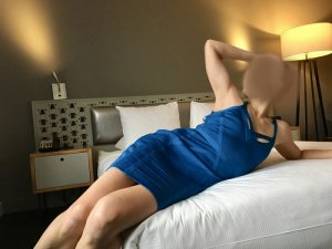 Marie-flora cougar escorts in Green Bay