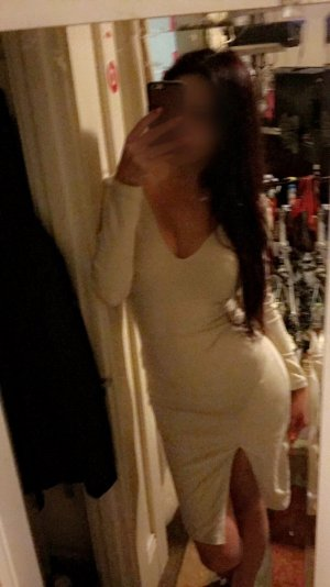 Chelsea top escort girl in Fullerton