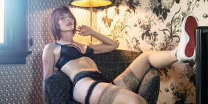 Maria-francisca nuru massage in Lansing, KS