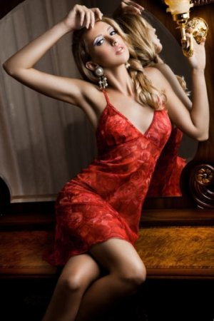 Zoelie escorts service in Destin, FL