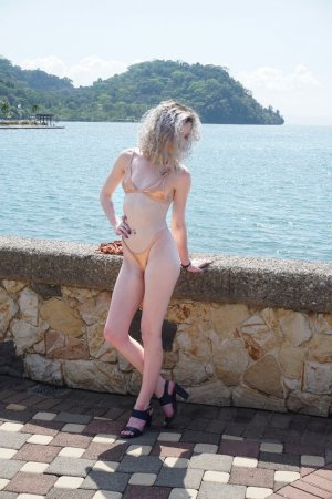 Lina couple outcall escorts in Ilkley, UK